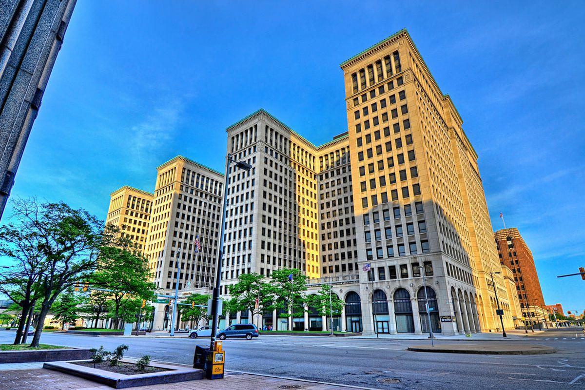 "Photos via <a href=""http://nomadwillie.blogspot.com/2014/06/diggin-detroit.html""> Nomad Willie, </a><a href=""http://detroit1701.org""> Detroit 1701 and </a><a href=""http://photos.apmadoc.net/USA/Michigan/Detroit/Buildings/Office%20Buildings/Cadillac%"