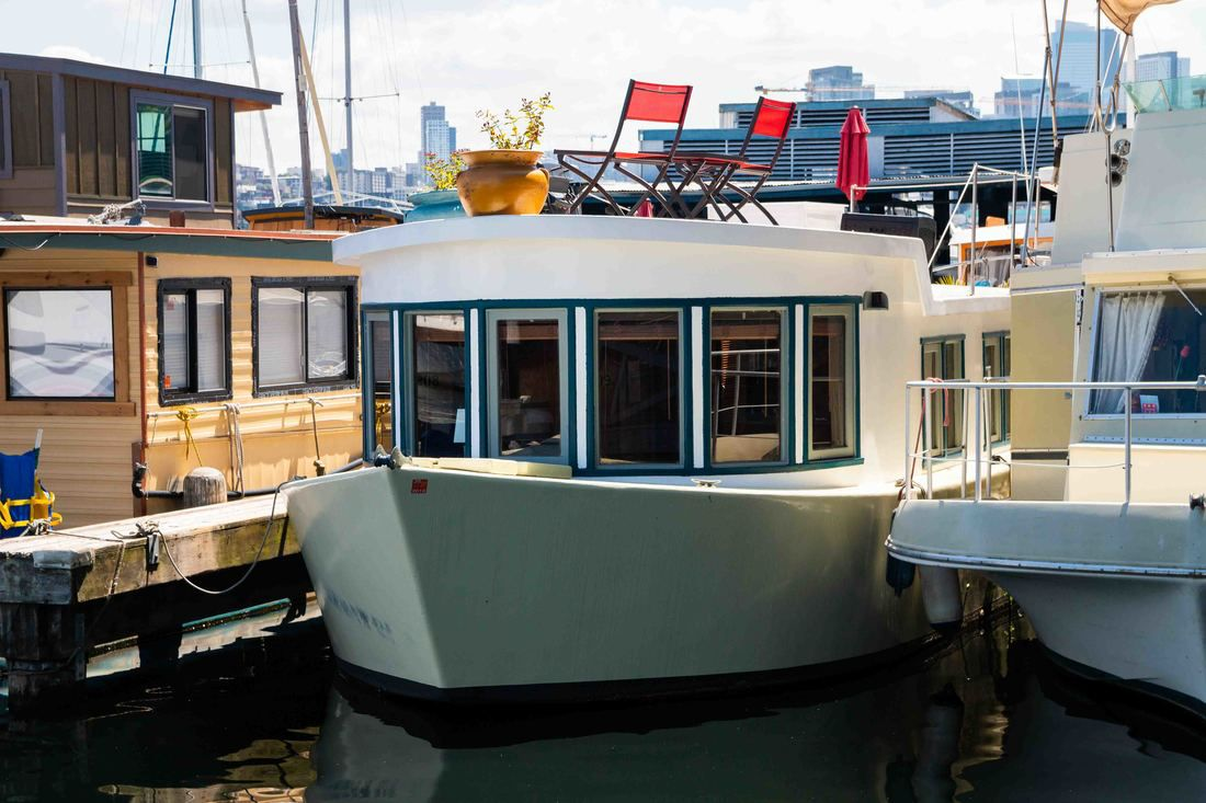 22 houseboats and floating homes for sale in Seattle right