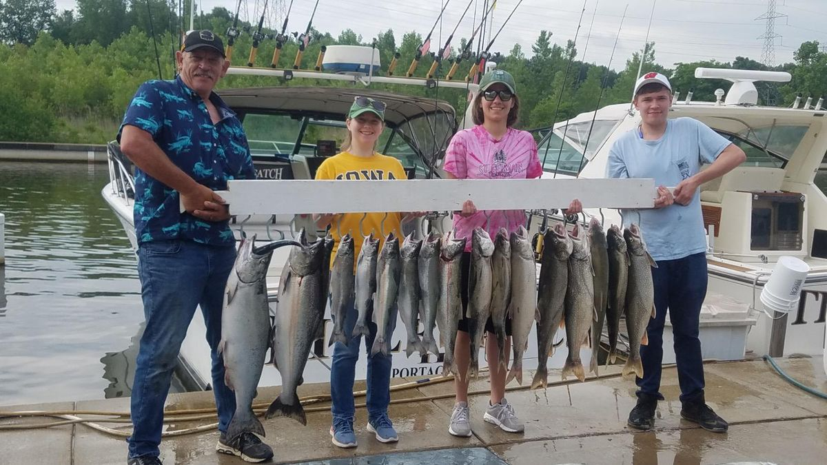 A good outing on southern Lake Michigan n Northwest Indiana. Provided by Capt. Rich Sleziak