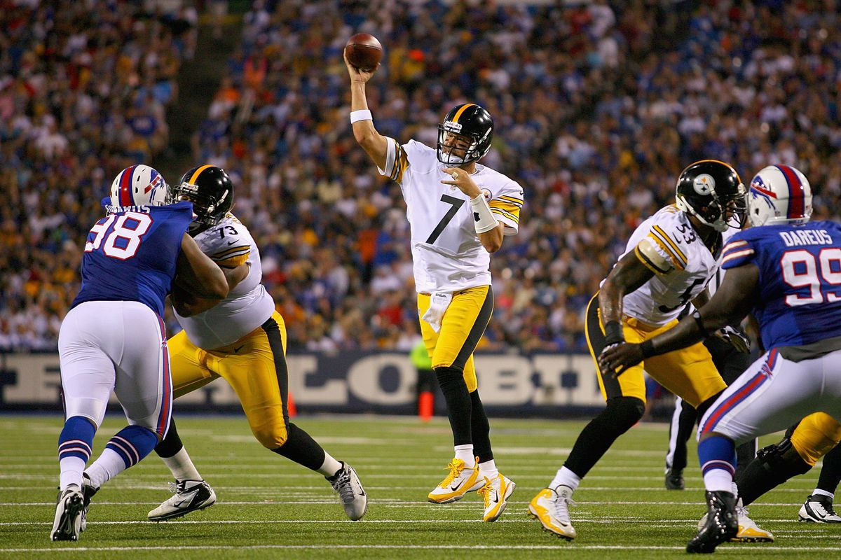 ORCHARD PARK, NY - AUGUST 25: Ben Roethlisberger #7 of the Pittsburgh Steelers.throws against the Buffalo Bills at Ralph Wilson Stadium on August 25, 2012 in Orchard Park, New York. (Photo by Rick Stewart/Getty Images)