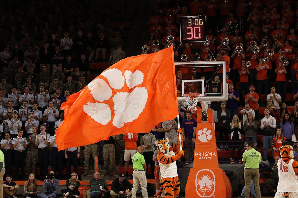 COLLEGE BASKETBALL: JAN 28 Syracuse at Clemson