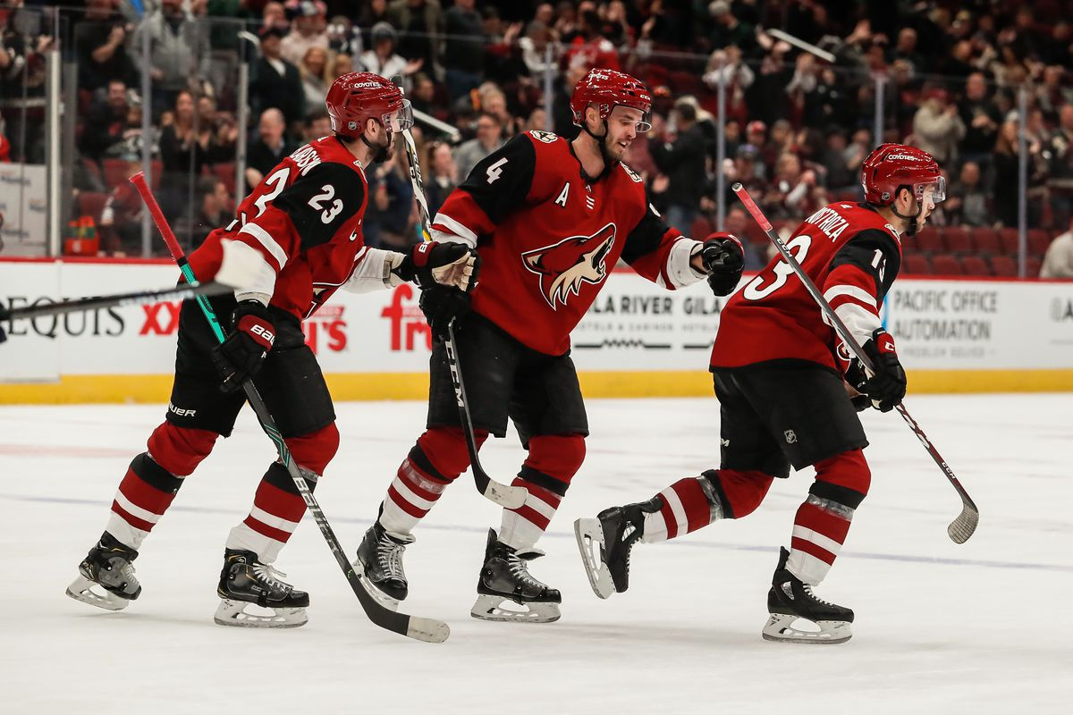 NHL: FEB 25 Panthers at Coyotes