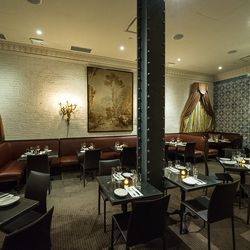 """<a href=""""http://ny.eater.com/archives/2013/11/rotisserie_georgette_a_classy_new_ues_french_restaurant.php"""">Eater Inside: Rotisserie Georgette</a>"""
