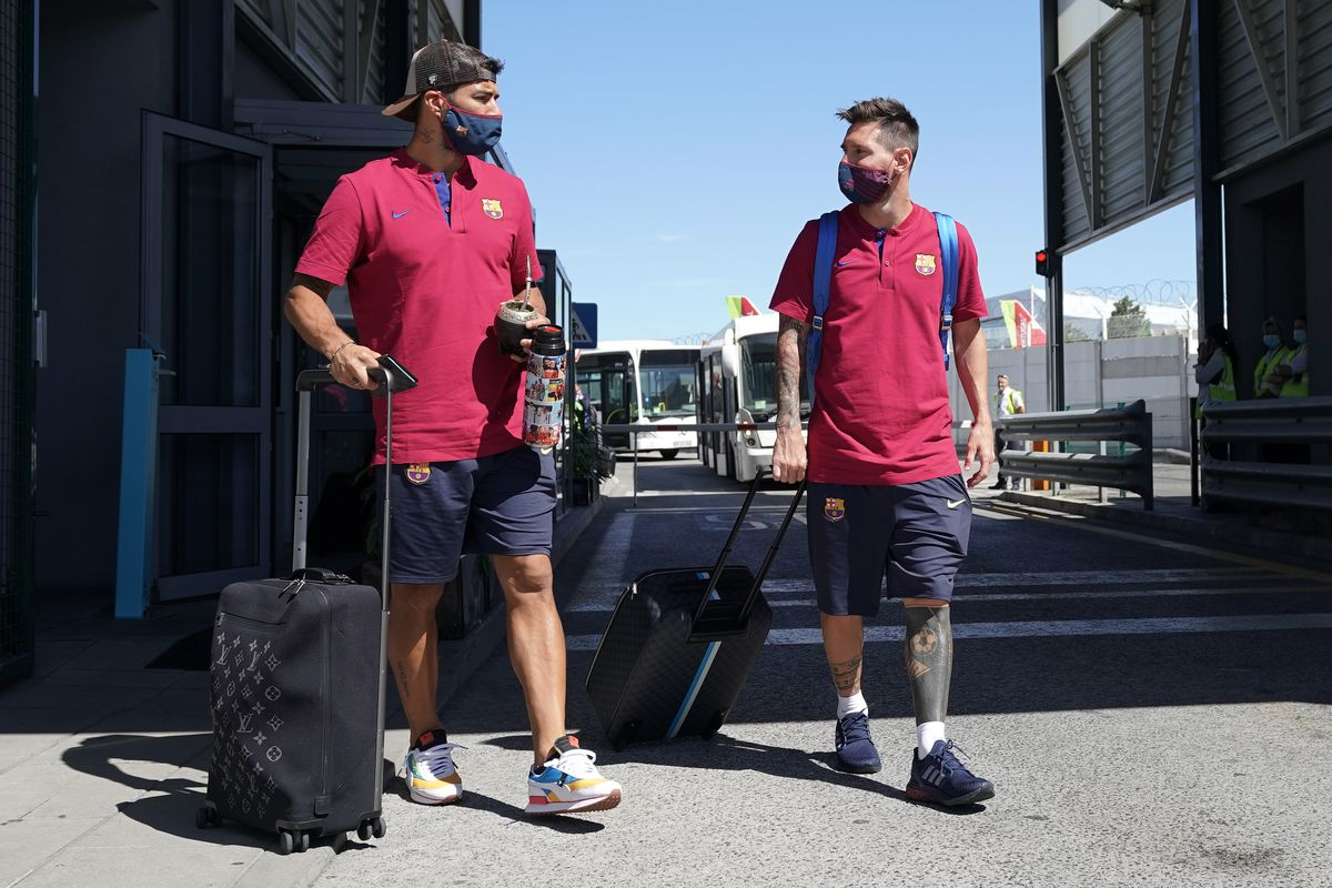 Barcelona Arrive in Lisbon for the Champions League
