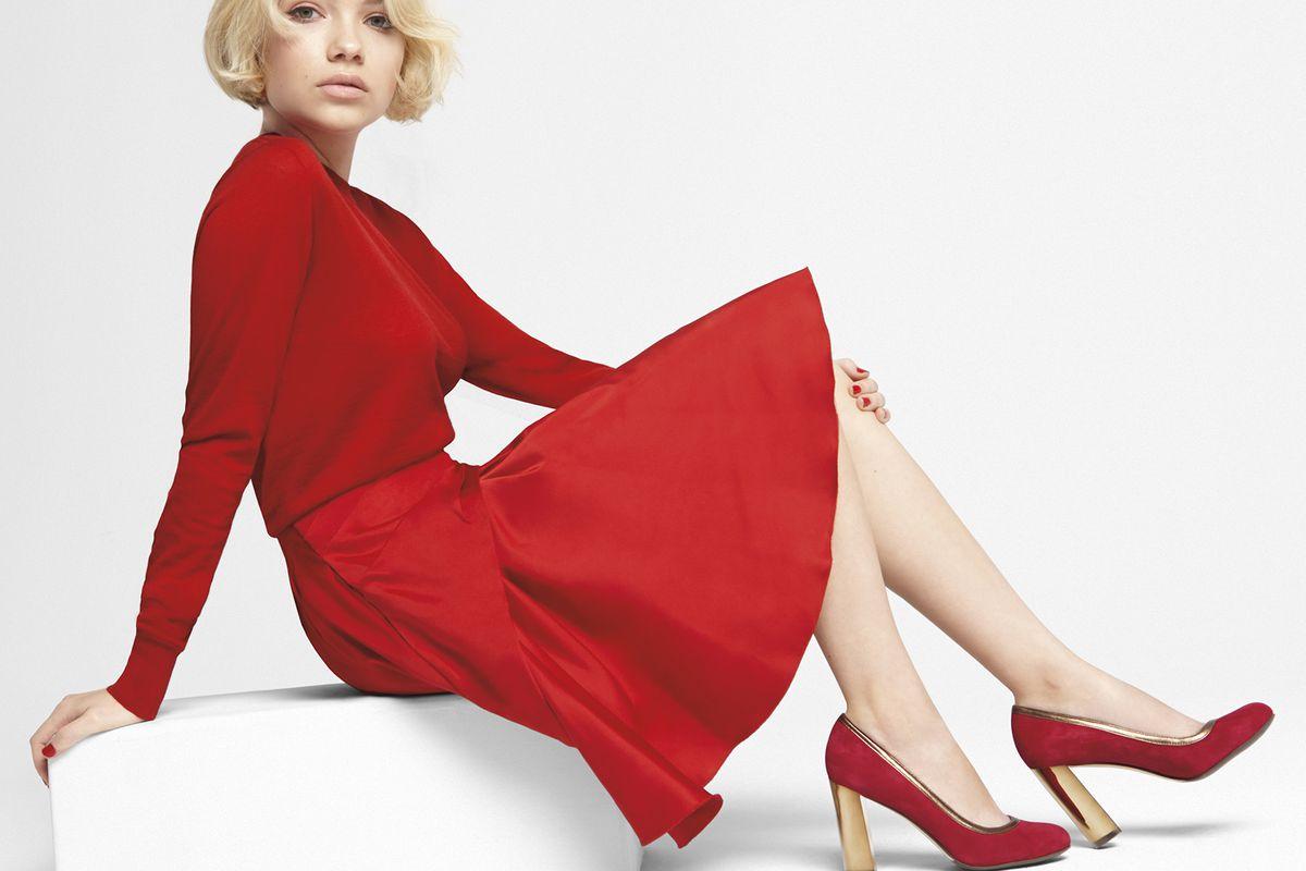 "Image via <a href=""http://nylonmag.com/articles/tavi-gevinson-model-cole-haan"">Nylon</a>."