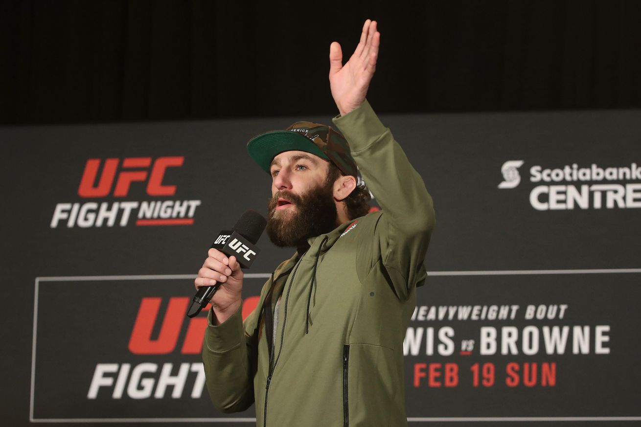 community news, Michael Chiesa: Conor McGregor backlogging UFC lightweight division is 'retarded'
