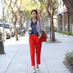 """Chriselle of <a href=""""http://thechrisellefactor.com/"""">The Chriselle Factor</a> is wearing <a href=""""http://www.barneys.com/Joie-Anderson-B-Trousers/00505025547382,default,pd.html?zmam=51982951&zmas=1&zmac=1&zmap=00505025547382"""">Joie </a>trousers, a<a href"""