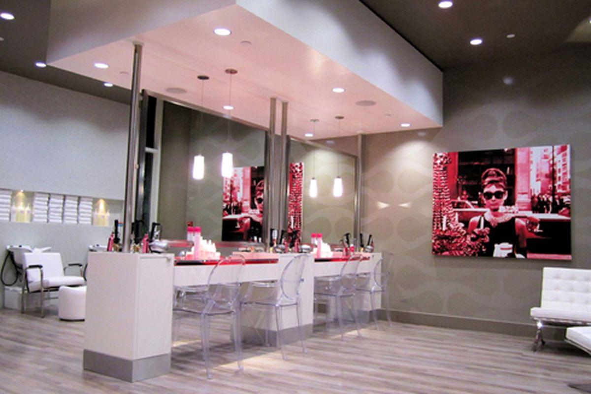 """A Blo salon in <a href=""""http://www.blomedry.com/locations/blo-w-hollywood"""">West Hollywood</a>"""