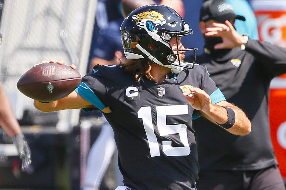 Quarterback Gardner Minshew of the Jacksonville Jaguars warms up prior to a game against the Tennessee Titans at Nissan Stadium on September 20, 2020 in Nashville, Tennessee.
