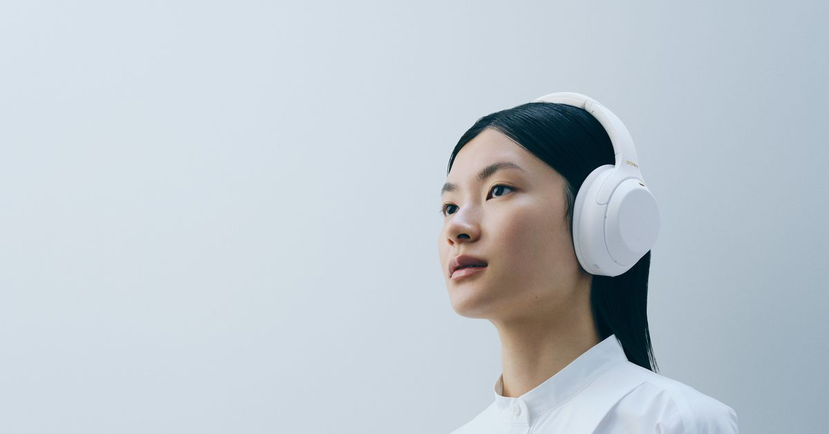 Sony launches 'Silent White' WH-1000XM4 headphones because the black gap is too hard