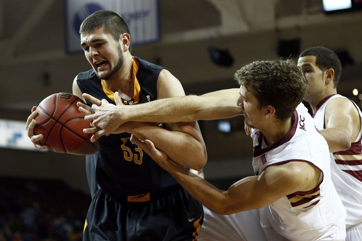 Nathan Boothe had a nice game against the Chippewas.