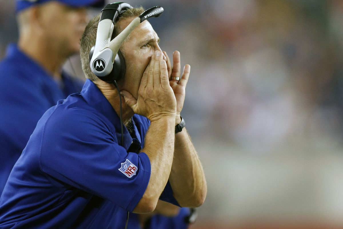 Steve Spagnuolo during his first tour with the Giants