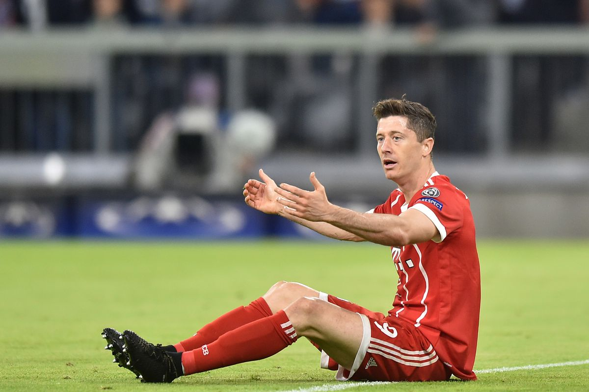MUNICH, GERMANY - APRIL 25: Robert Lewandowski of Bayern Muenchen reacts during the UEFA Champions League Semi Final First Leg match between Bayern Muenchen and Real Madrid at the Allianz Arena on April 25, 2018 in Munich, Germany.