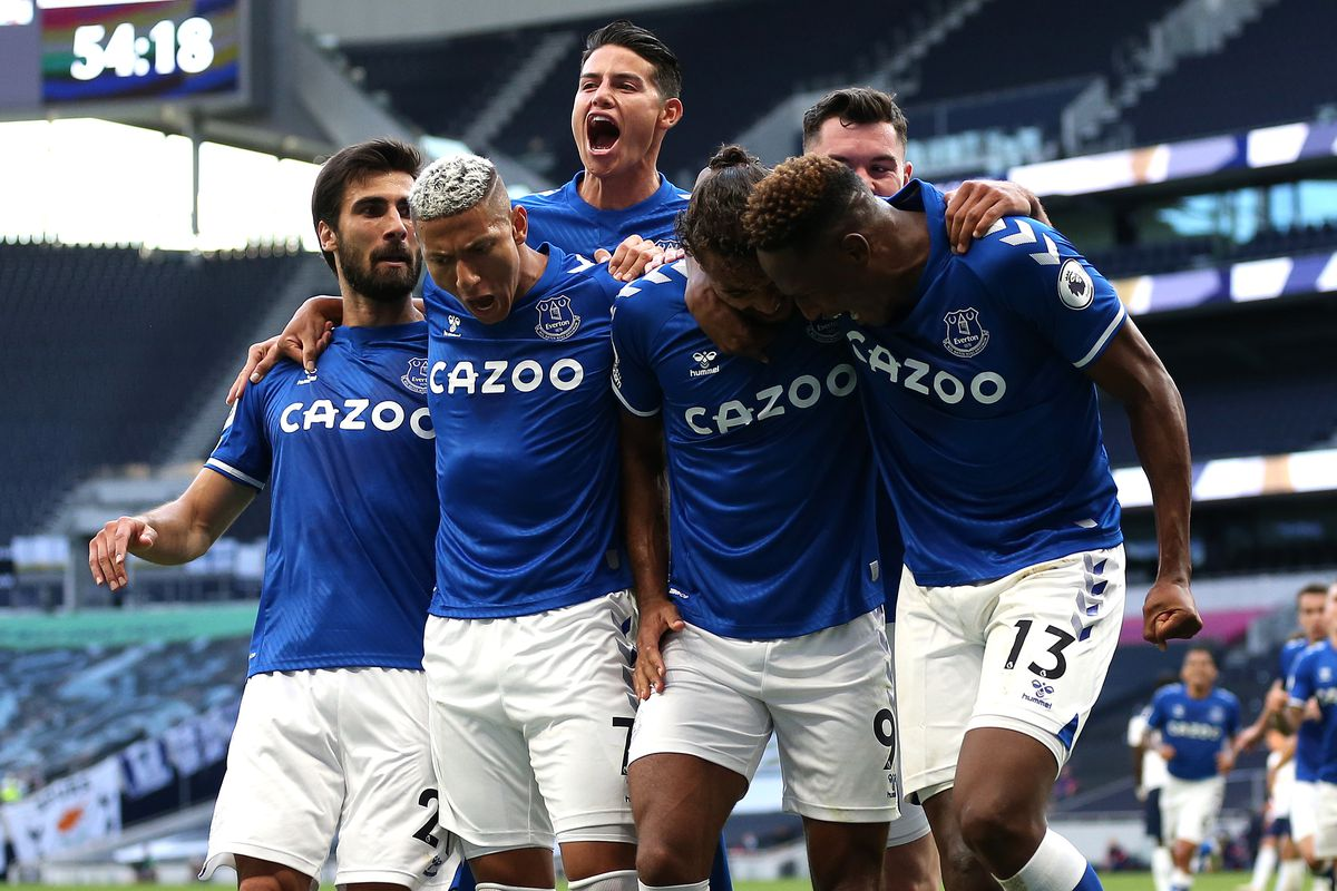 Dominic Calvert-Lewin celebrates with teammates - Everton - Premier League