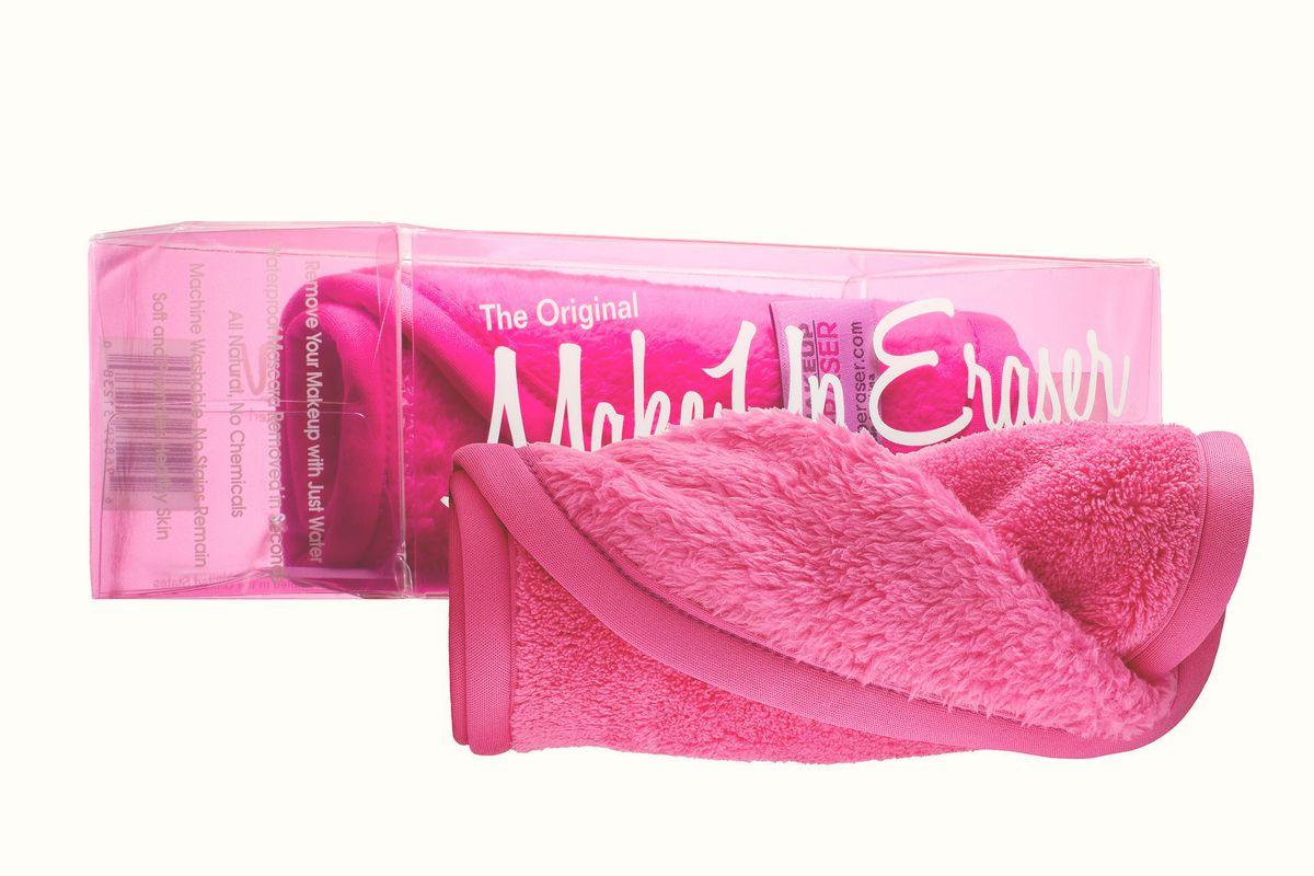 Makeup Eraser in hot pink