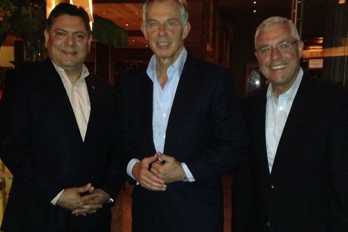RDG + Bar Annie Sommelier Jose Perez, Former British Prime Minister Tony Blair, and RDG Manager Paco Calza