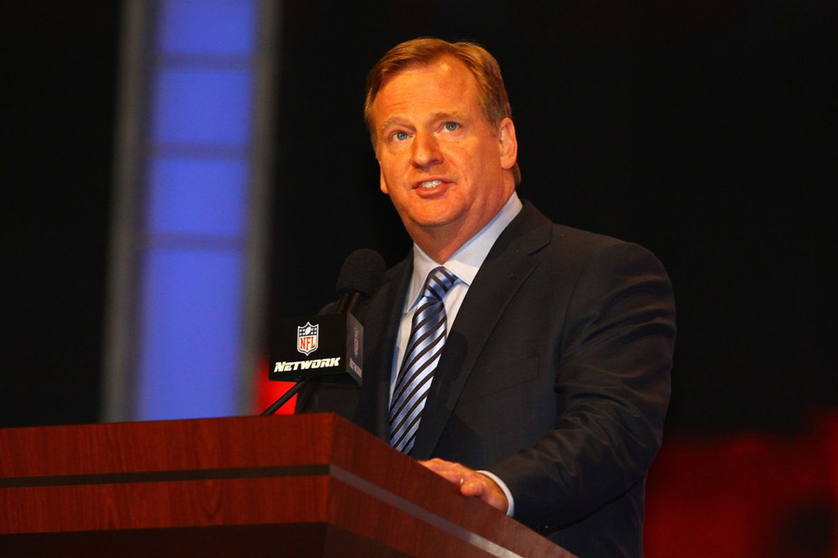 NEW YORK, NY - APRIL 26:  NFL Commissioner Roger Goodell stands on stage as he announces a draft selection during the 2012 NFL Draft at Radio City Music Hall on April 26, 2012 in New York City.  (Photo by Al Bello/Getty Images)