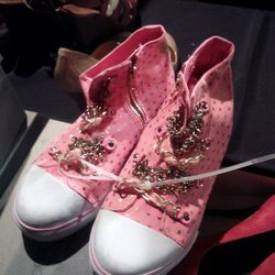 $19 juicy couture sneakers