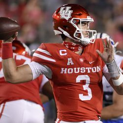 Houston quarterback Clayton Tune (3) throws a pass during the second half of an NCAA college football game against BYU, Friday, Oct. 16, 2020, in Houston.