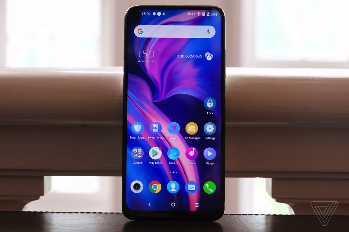 TCL gets serious about making a name for itself in phones