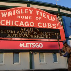 6:46 p.m. A special message from the Cubs -