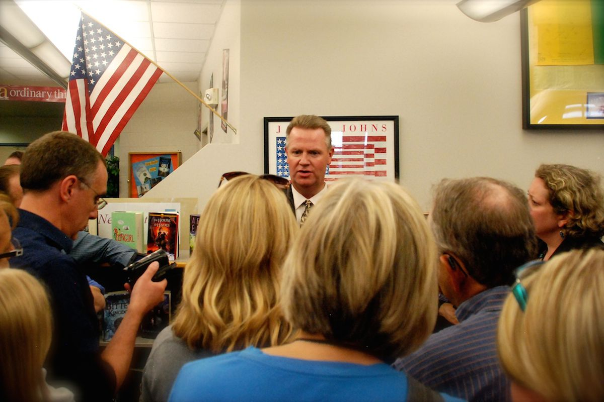 Dan McMinimee met with the Jeffco community in 2014 before being hired as Superintendent.