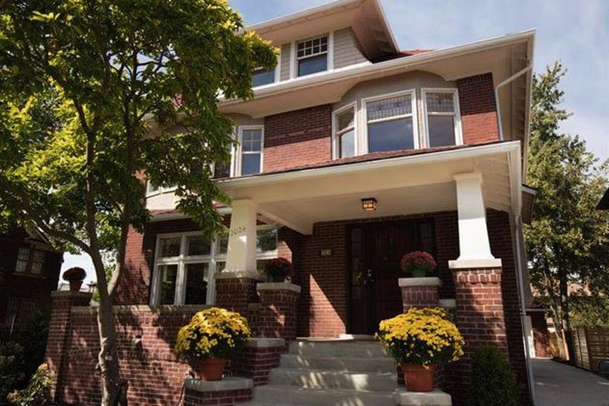 """Photos via <a href=""""http://auctions.buildingdetroit.org/Listing/Details/1893140/1412-Edison"""">Detroit Land Bank</a><br>"""