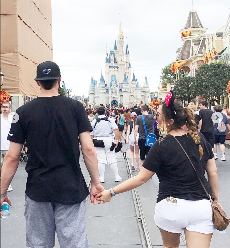 The Bryants took this adorable photo together in Disney World on Monday. | Kris Bryant/Instagram