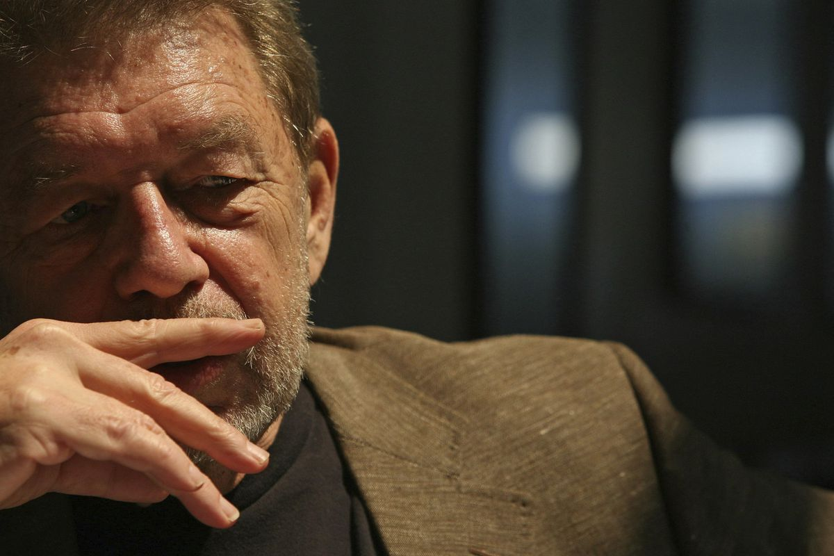 Pete Hamill is interviewed in 2007 at the Skylight Diner in New York.