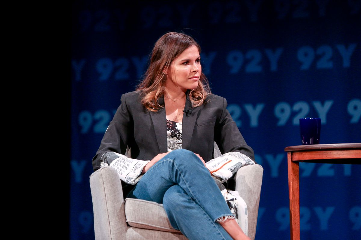 Glossier CEO Emily Weiss on startup advice, new beauty products - Vox