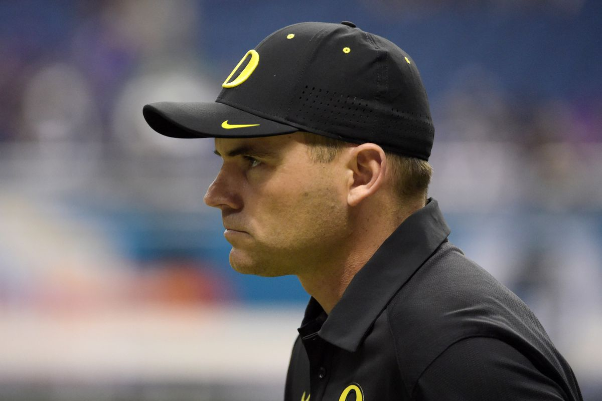 Oregon Coach Mark Helfrich finds himself an unlikely hot seat candidate as  the Ducks try to rebound in 2016. Kirby Lee-USA TODAY Sports c0c966aef396