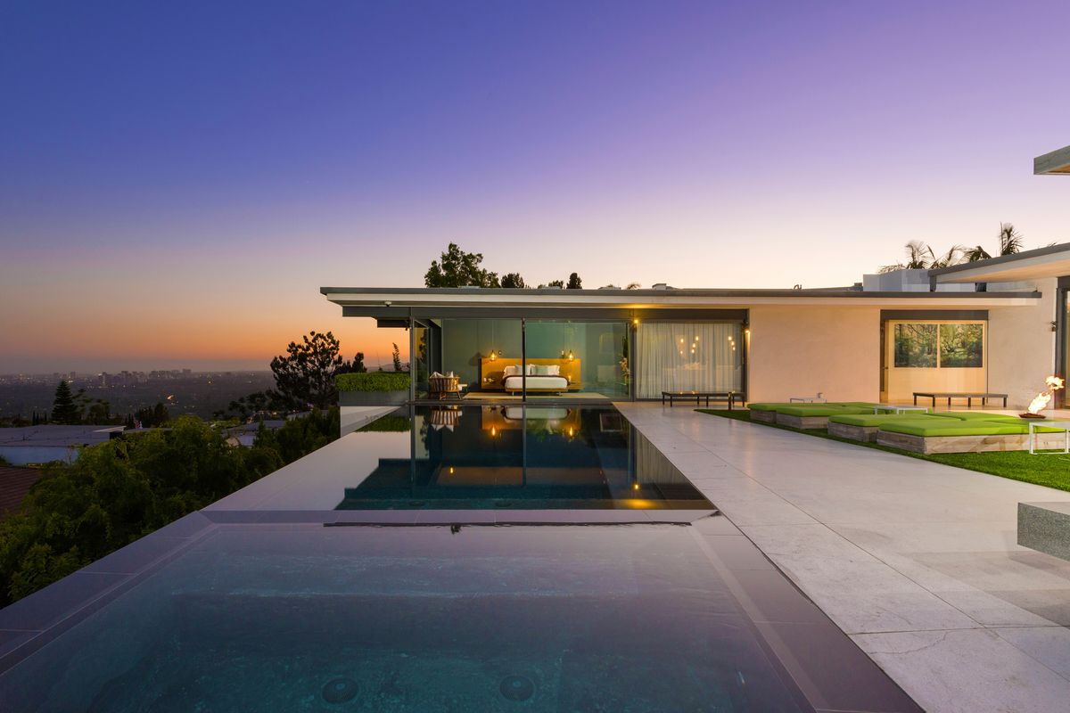 Matthew Perry House Hollywood Hills Matthew Perry lists sl...