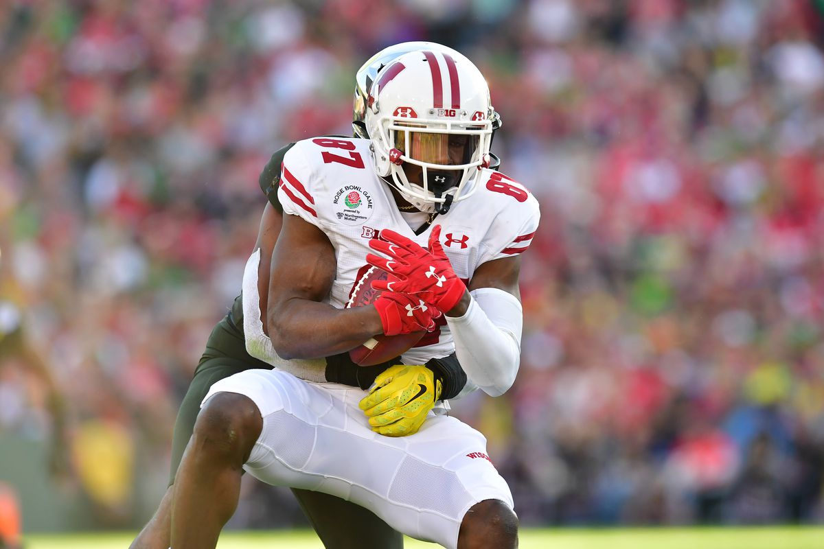 Wisconsin Badgers wide receiver Quintez Cephus makes a catch against the Oregon Ducks in the second quarter during the 106th Rose Bowl game at Rose Bowl Stadium.