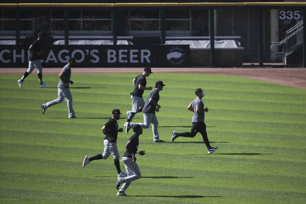 2 Chicago White Sox players test positive for COVID-19