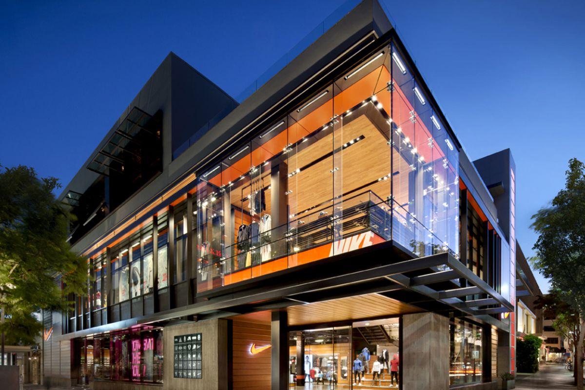 "Photo: <a href=""http://tvaarchitects.com/projects/nike-retail-santa-monica"">TVA Architects</a>"