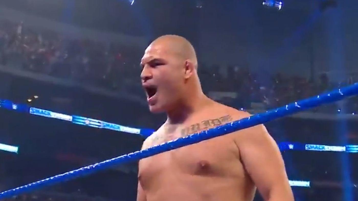 Video: Cain Velasquez crashes WWE SmackDown, batters Brock Lesnar in the ring