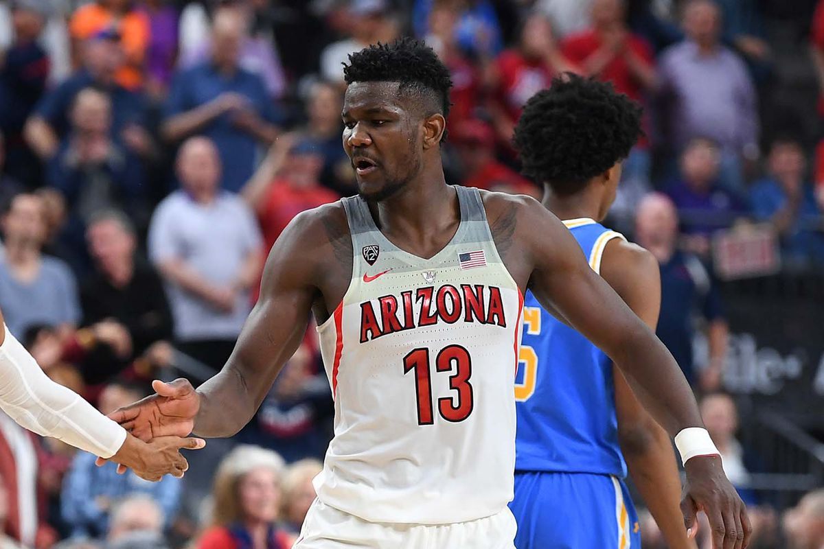c8d9bf76b It s Deandre Ayton s world