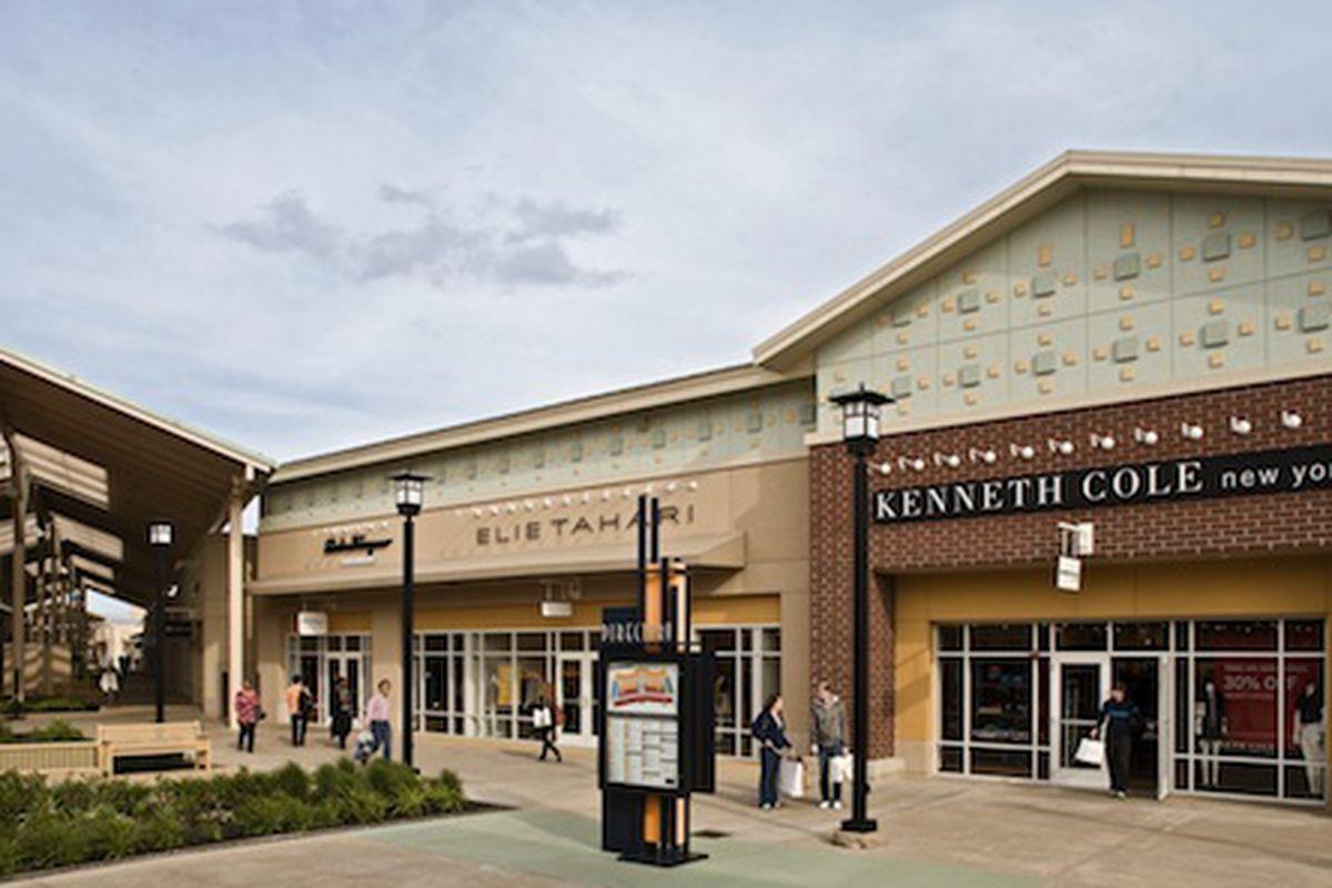 Chicago Premium Outlets Shop Armani JCrew More In Aurora IL - Chicago map union station