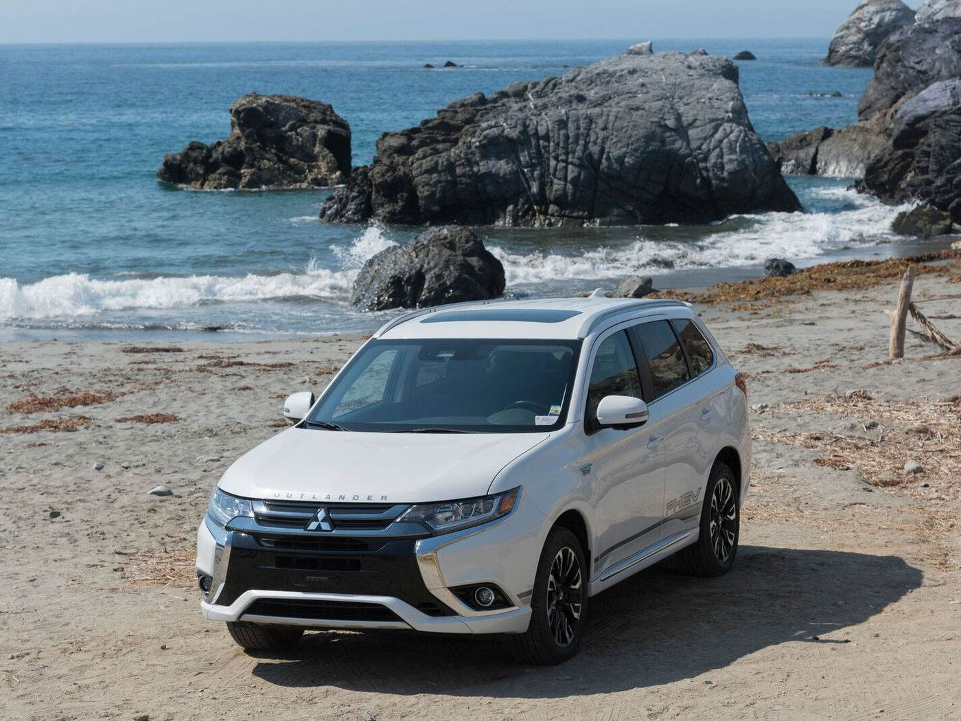 2018 Mitsubishi Outlander PHEV first drive: winner by default - The ...