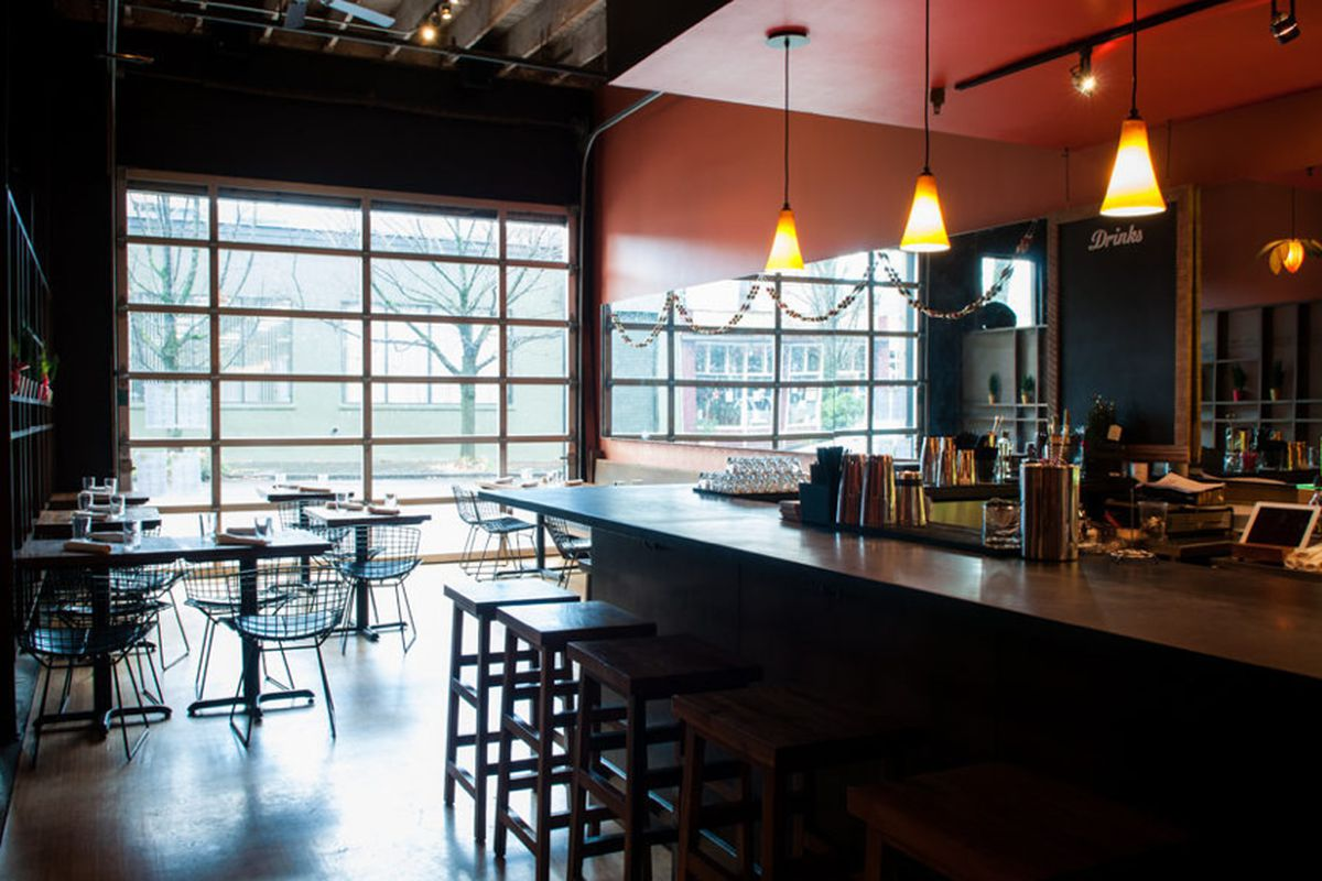 """<a href=""""http://pdx.eater.com/archives/2012/12/17/inside-verde-cocina-perla-now-open-in-the-pearl.php"""">Verde Cocina Perla, Portland, OR</a>"""