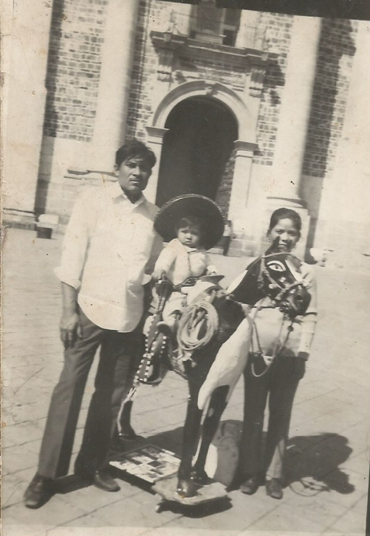 Samuel Linares and his wife Alicia with son Jorge in Mexico City.