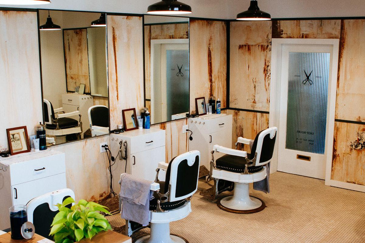 """Image via <a href=""""http://www.selectism.com/2014/04/21/a-look-inside-blind-barbers-new-williamsburg-shop/"""">Selectism</a>"""
