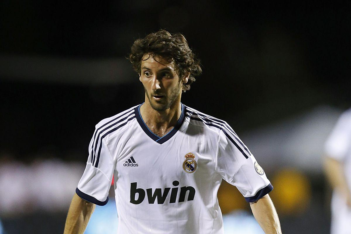 Santos Laguna v Real Madrid