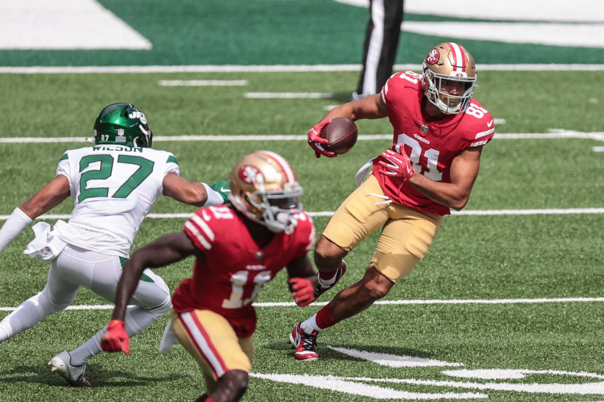 San Francisco 49ers tight end Jordan Reed runs after catching a pass during the first quarter against the New York Jets at MetLife Stadium.