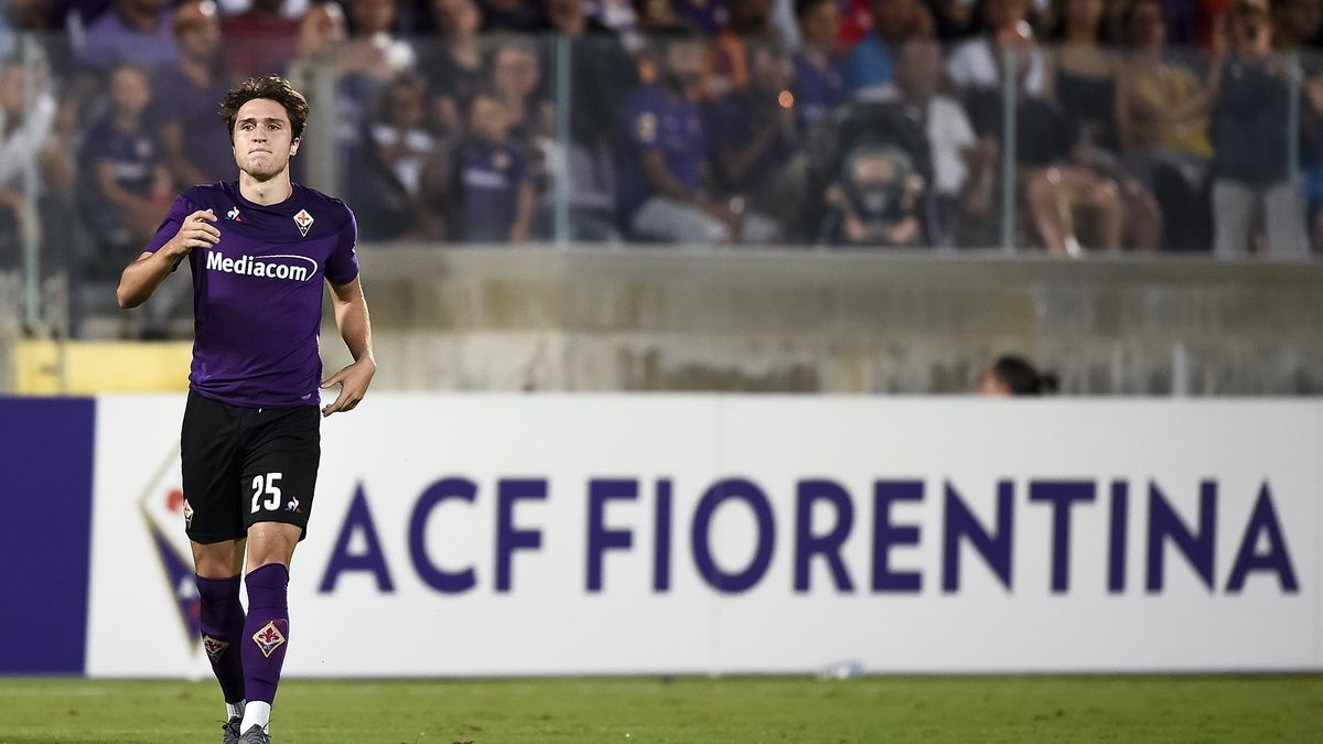 Federico Chiesa of ACF Fiorentina looks on during the pre-...