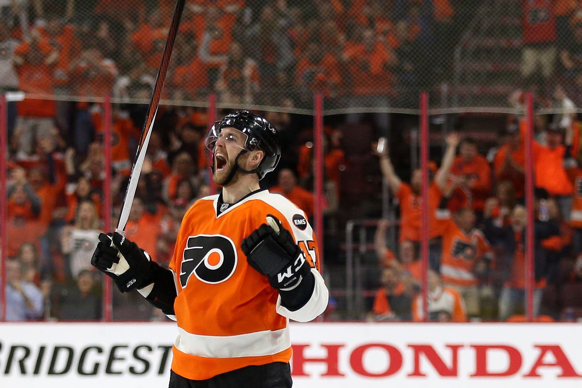 Philadelphia Flyers buy out Andrew MacDonald
