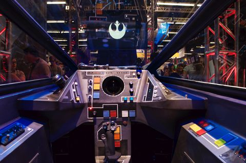 I Flew An X Wing Fighter At Star Wars Celebration The Verge