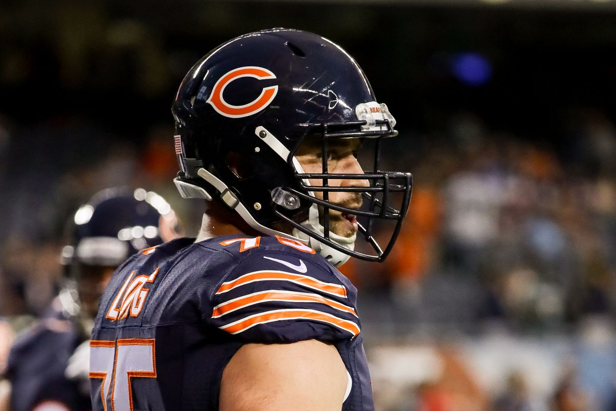 Bears guard Kyle Long shaken by violence in hometown of Charlottesville
