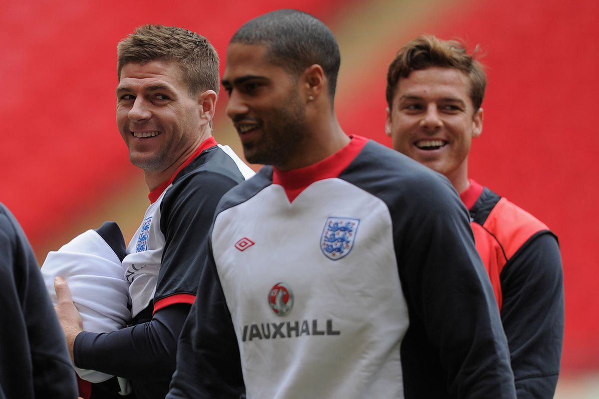 LONDON, ENGLAND - FEBRUARY 28: Steven Gerrard shares a laugh with Glen Johnson and Scott Parker during the England Training and Press Conference at Wembley Stadium on February 28, 2012 in London, England.  (Photo by Michael Regan/Getty Images)