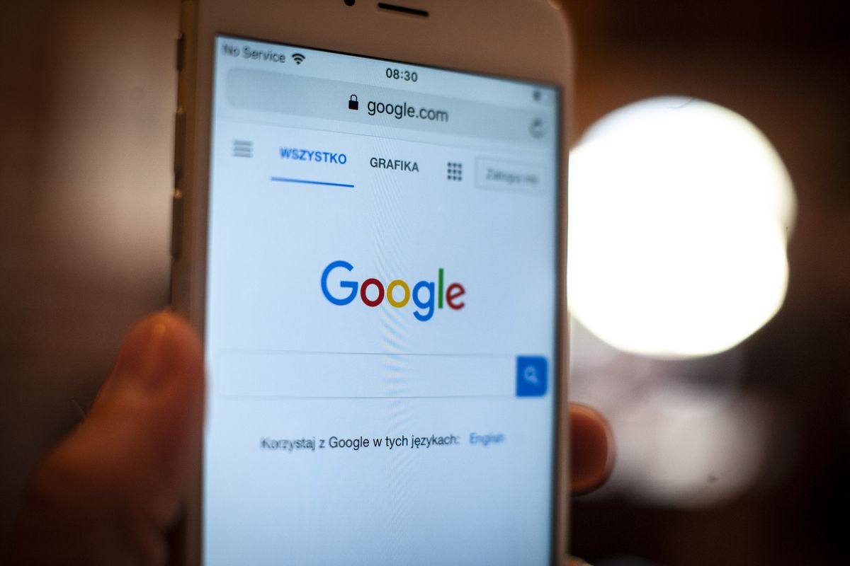 Google's Discover feed faces climate change controversy